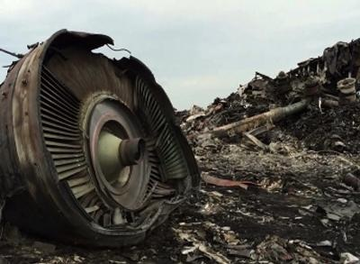 News video: Officials Fear MH17 Site Now Tampered by Rebels